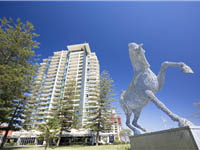 mantra-broadbeach-on-the-park-accommodation-exterior